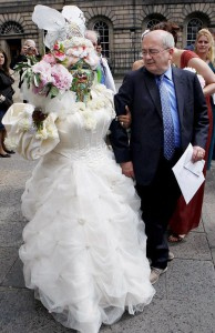 Самая пирсингованная женщина на свете - Элейн Дэвидсон выходит замуж