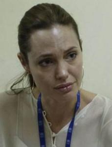 Голливудский макияж творит чудеса! Обыкновенная китаянка стала Анджелиной Джоли!