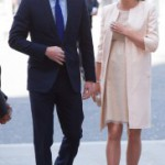 Долгие роды Кейт Миддлтон закончились рождением сына. Наследник Британской империи получает титул принца Кембриджского. + Видео